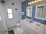 Our Guest bathroom with Shower and Tub