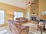 Escape to this quiet, family vacation rental in Reeds Springs, MO!