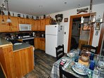 Large kitchen. Dining for 4. Best Interior Decor in Snowshoe.