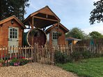 Authentic Gypsy Caravan with Private Hot Tub for all-year use!