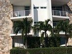 Condominio familiar, tranquilo, excelente ubicación con vigilancia las 24 hrs.