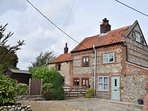 65022 Cottage situated in Holt (3.5mls SW)