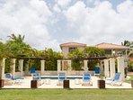 Palm Villa, Maynards