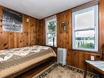 Single twin bedroom 35' from the waters edge.