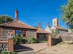 Coach Cottage in quiet, pretty, rural village with great pub, shop, PO. 3 miles to sandy beaches.