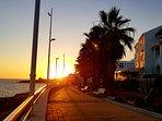 Puesta de sol desde Fuentes de Nerja.  Paseo marítimo.