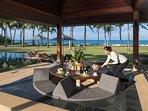 Jivana Beach Villas - Villa Ananda - Sunken dining bale