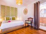 Chambre 2: Literie qualité hôtélerie 160 - WC + SDB