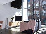 Luxurious Loft Apartment in Entertainment Hub