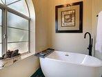 Soaking tub to relax