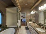Full, master bathroom (en-suite)