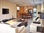 Living & Dinning Room whith Air Conditioning. Kitchen at the end. Cable-TV,WIFI