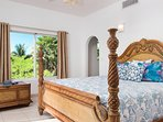 Crystal Sands Villa - Downstairs King bedroom with private bath!