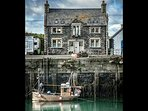 The Bait House - Situated right on the harbour wall.