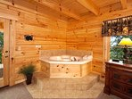Jacuzzi Tub at Log Wild!
