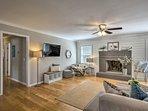 NEW! 'Southern Comforts' Home-7 Mi to Charleston!