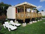 Le Bonheur Normand avec terrasse Semi-couverte, salon de jardin 8 pers., 2 bains de soleil, barbecue