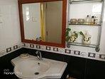 Washbasin in Bathroom 1