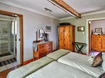 Second bedroom en-suite with shower -chalet