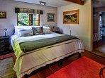 The Cabin bedroom en-suite