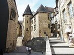 The historical quarter of Sarlat is a delight of lanes and passages passing between magnificent arch