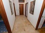 A(12) 2.kat: hallway