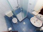 A(12) 2.kat: bathroom with toilet