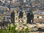 The roofs of the cathedral of Plaza de Armas - photographic zoom