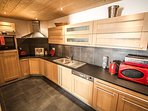 Lovely kitchen with marble worktops and Bosch appliances