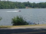 Motor Boats welcome in Lake