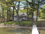 MERRY MULLETT LAKE HOUSE: 30 min. from Mackinac, All-sports lake, Private Dock,