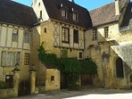 A medieval square in Sarlat - 25 minutes' drive