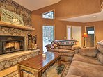 NEW! Cozy Silverthorne Home w/Hot Tub Near Skiing!
