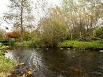 The river Kennet runs close to the house. Take a short walk to the shops along its bank!