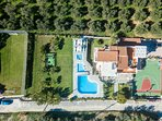 A bird's eye view of the Villa and its facilities!
