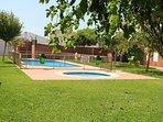 Jardín y piscinas de agua salina
