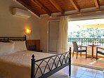 Bedroom, Balcony/Terrace