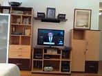 Mueble funcional, biblioteca con Audio y TV por cable