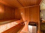Un équipement proposant sauna (chaleur sèche) et hammam (chaleur humide)