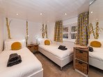 Mistletoe Boutique Lodge is a spacious twin room