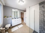 RDC -Salle de bain parentale- douche à l'italienne avec wc