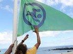 Garantie de 330 jours de drapeau vert à Boucan Canot, autorisant la baignade sécurisée.
