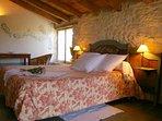 La chambre des champs : son lit 160 x 200