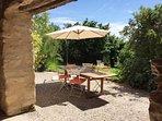 La terrasse et sa vue sur le jardin privatif