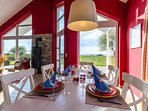 Seepark-Ferienhaus, eating table with sea view