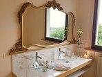 Master bedroom - Luxury bathroom