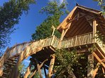 'le Ciel' : une maison perchée à 4 mètres du sol, avec son spa