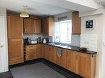 kitchen with integral fridge/freezer
