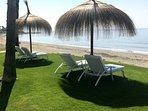 Disfrute del sol y del mar en una tranquila playa