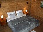 Schlafzimmer 1 in der Hütte im Zillertal
